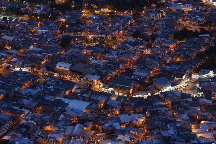 la-ciudad-abajo-vista-desde-el-picacho