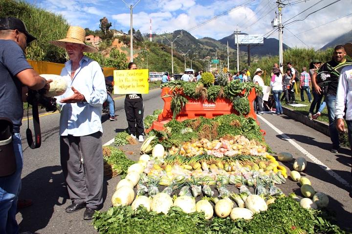 Se regalaban las hortalizas como protesta