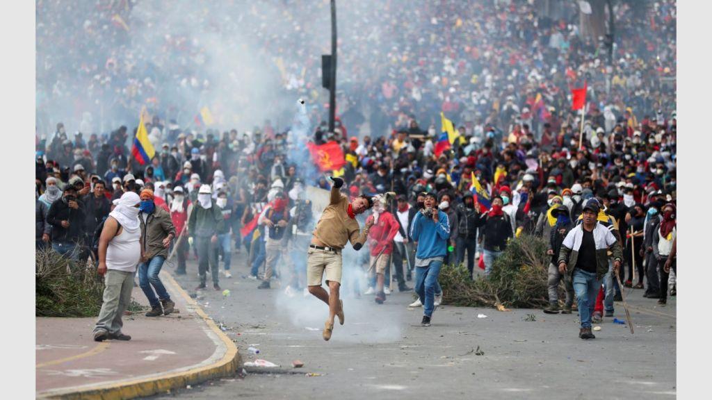 Manifestación masiva en Ecuador